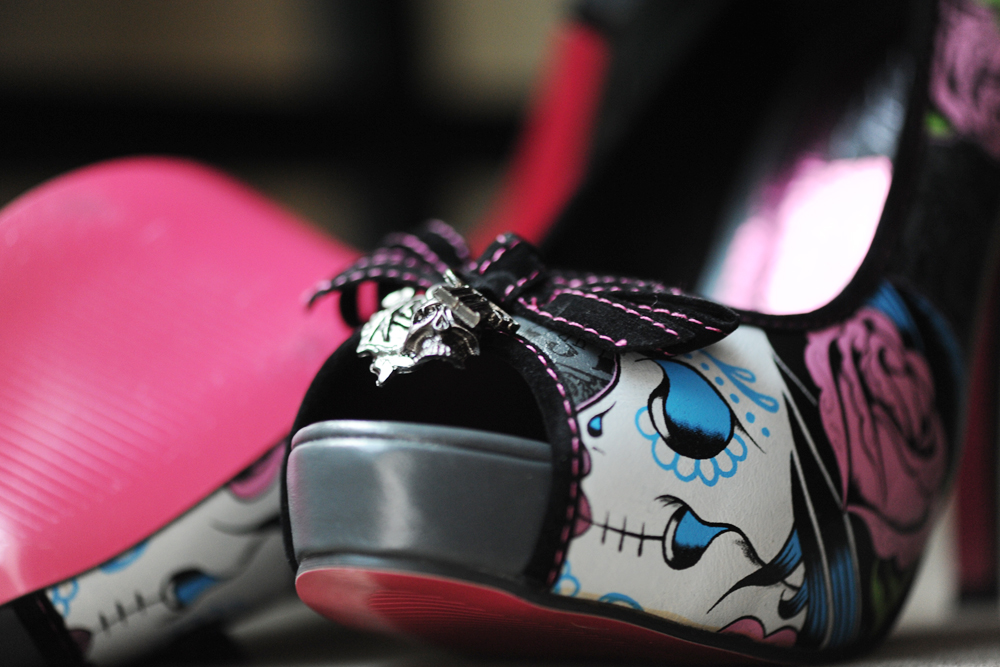 blog ifshoes 1000 DSC 6765 Personal Obsessions   Iron Fist Shoes!